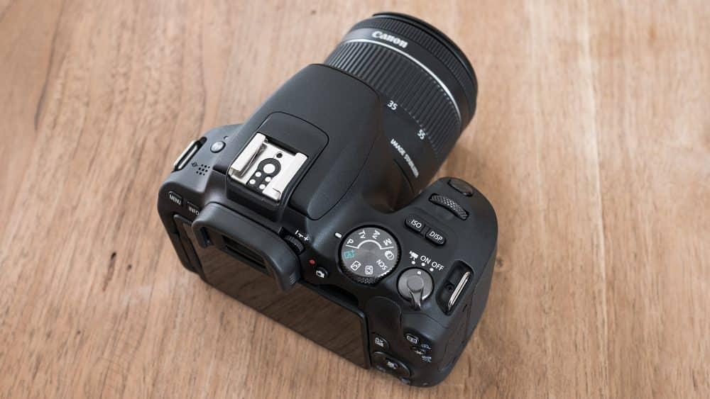Canon EOS 200D bovenaanzicht